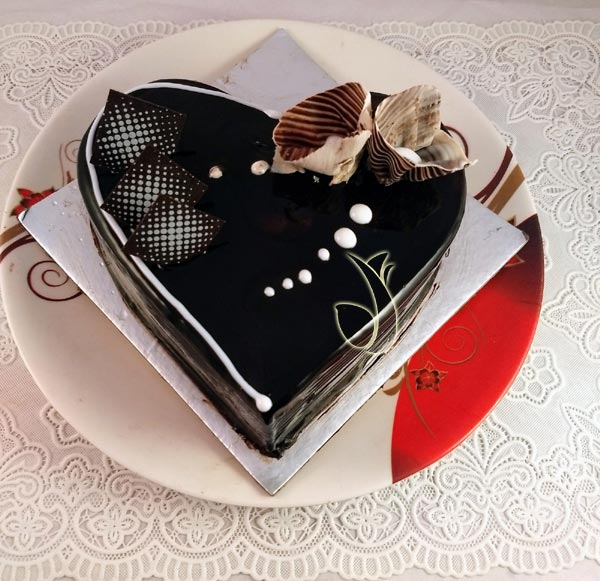 Heartshape Dark Chocolate Cake cake delivery Delhi