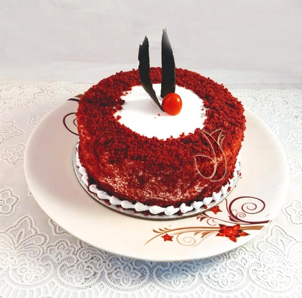 Round Shape Red Velvet Cake Delivery Delhi