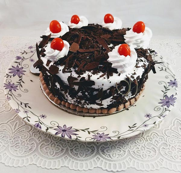 Black Forest Flakes Cake cake delivery Delhi