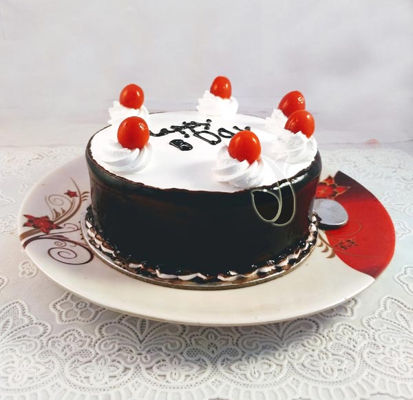 Black Forest Plain Cake cake delivery Delhi