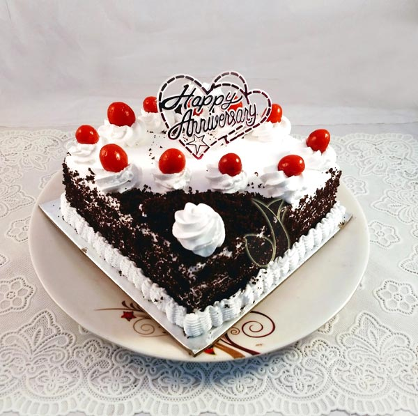 1Kg Squre Black Forest Cake cake delivery Delhi