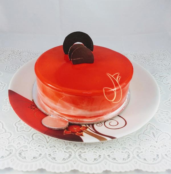 Strawberry Choco Bar Cake cake delivery Delhi