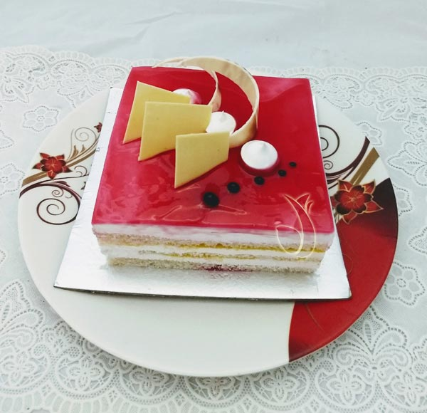 Strawberry Square Cake (Less Creamy) cake delivery Delhi