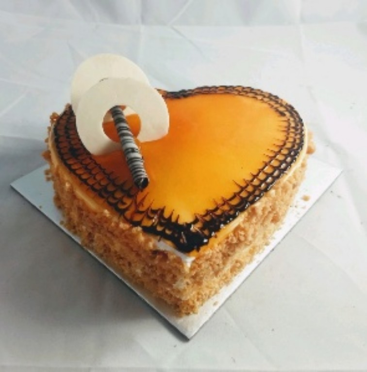 1kg Heartshape Butter Scotch Cake cake delivery Delhi