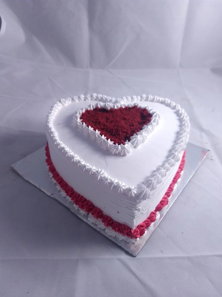 1kg Red Velvet Heartshape Cake cake delivery Delhi