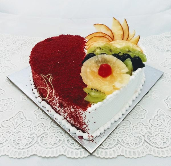 1Kg Heartshape Red Velvet & Fruit Cake cake delivery Delhi