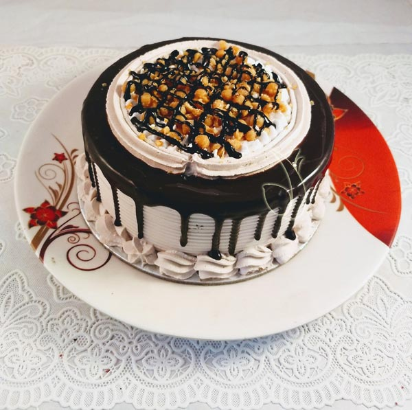 Chocolate Crunchy Cake cake delivery Delhi