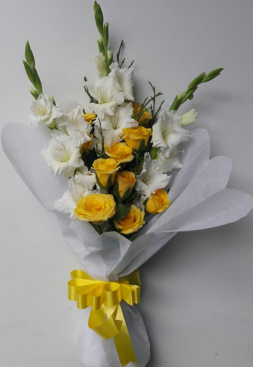 Glad & Yellow Rose Bunch cake delivery Delhi