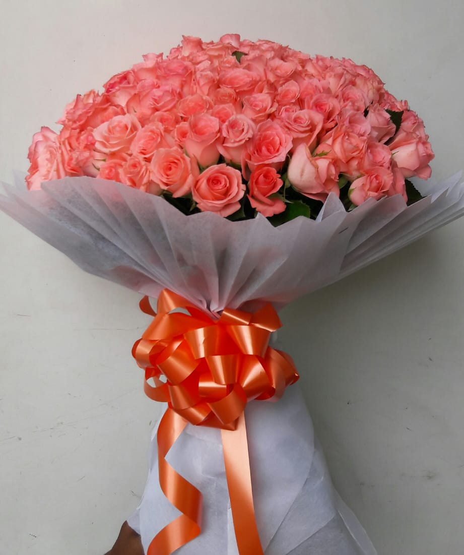 Pink Roses in White Tissue cake delivery Delhi