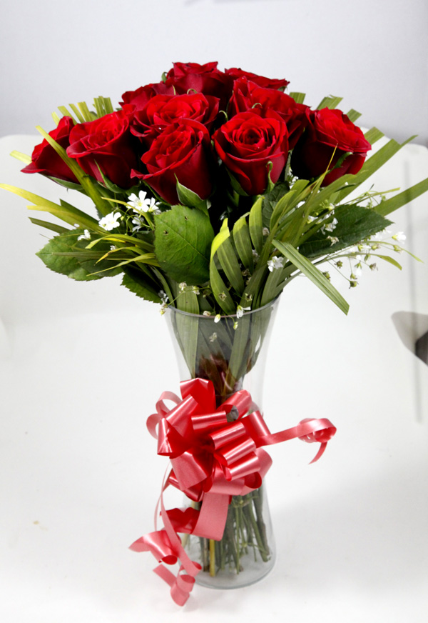 Red Rose In Vase cake delivery Delhi