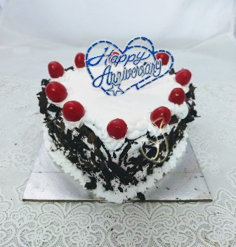 1kg Black Forest Heart-shape Cake cake delivery Delhi