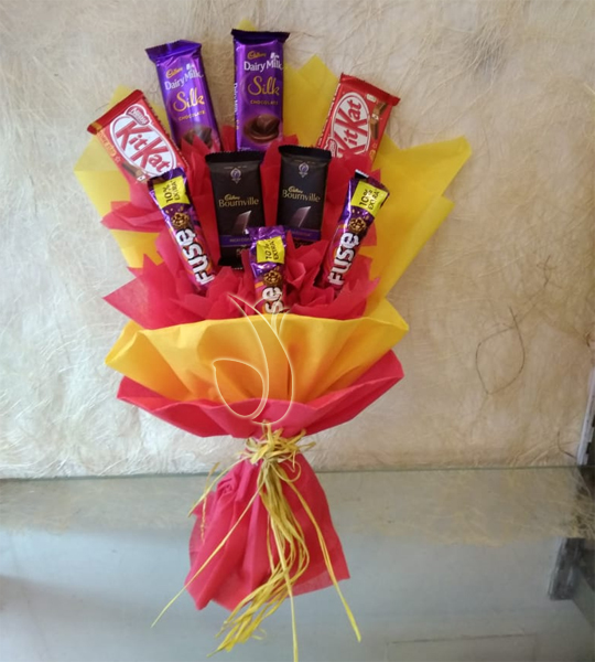 Mix Chocolate Bouquet  cake delivery Delhi