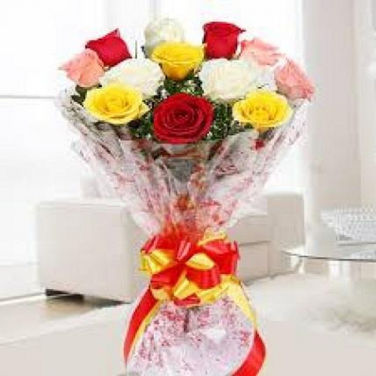 Bunch of 15 Mix Roses cake delivery Delhi