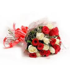 Red & White Roses Bunch cake delivery Delhi