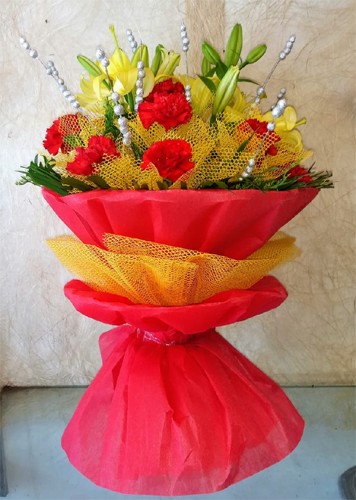 Bunch of Lillys & Carnation  cake delivery Delhi