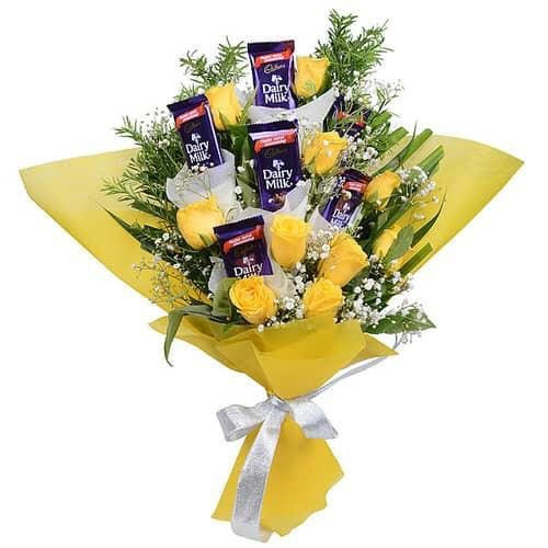 Yellow Rose & Chocolate Bunch cake delivery Delhi