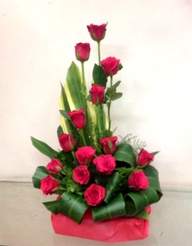 Basket of 20 Red Roses cake delivery Delhi