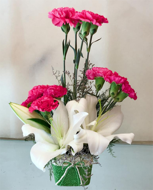 Arrangement of Pink Carnation & White Lilly  cake delivery Delhi