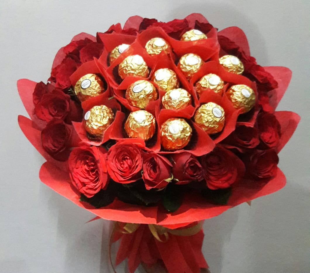 Ferrero Rocher with Roses cake delivery Delhi