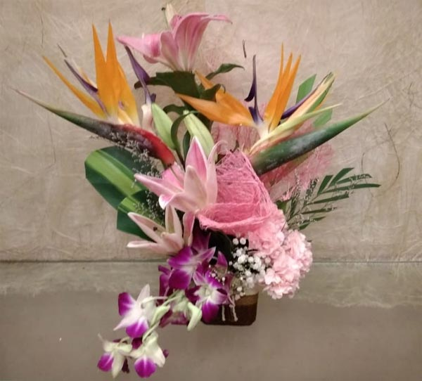 Exotic Flowers BOP Arrangement cake delivery Delhi