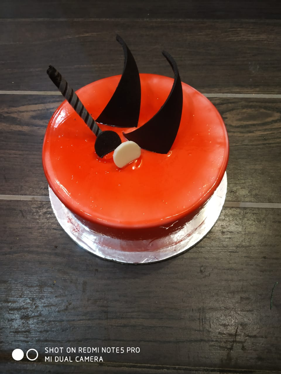 Round Shape Strawberry Cake cake delivery Delhi