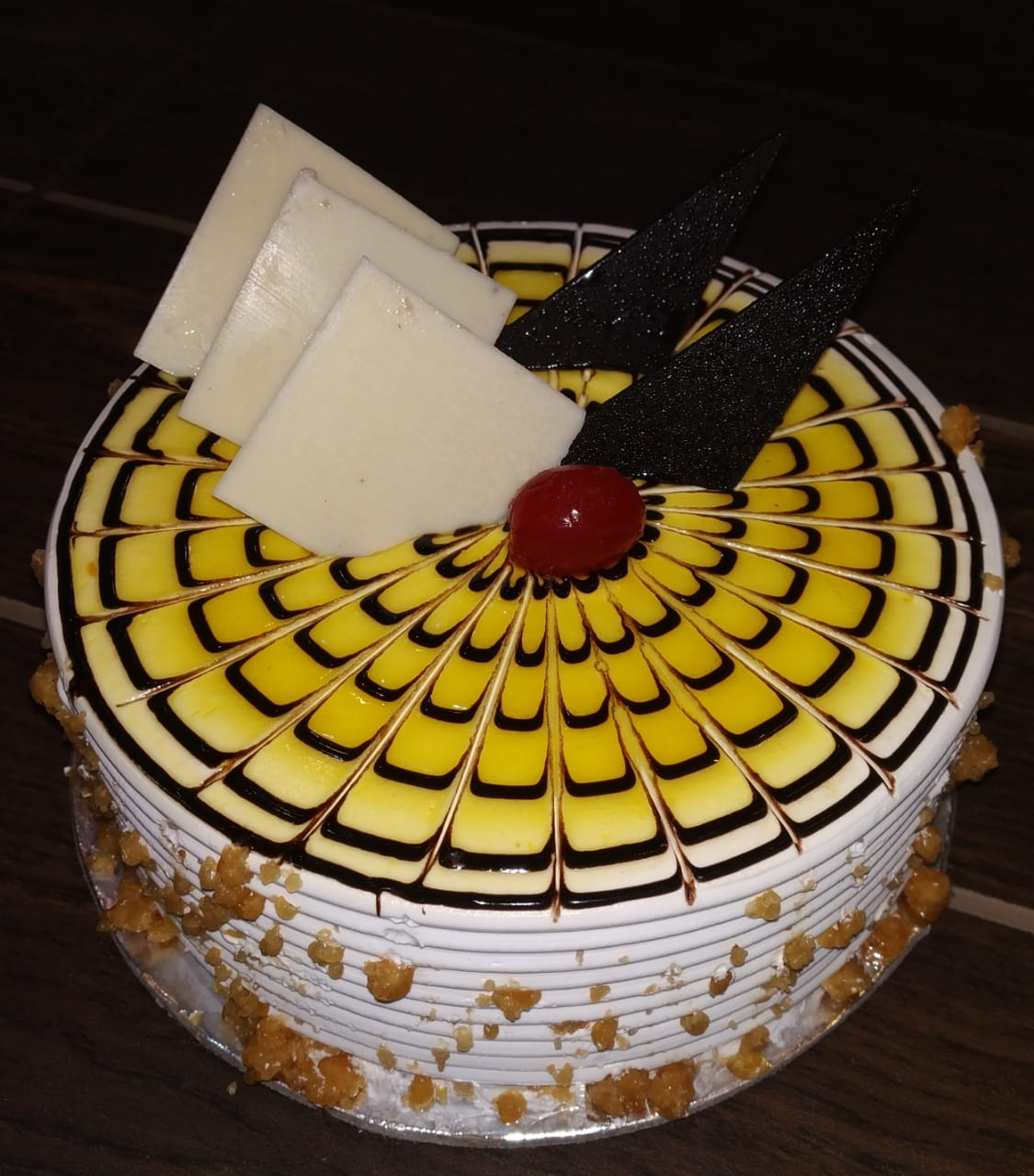 Classic Butter Scotch Cake cake delivery Delhi