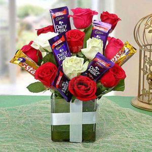 Chocolate Rose Arrangement cake delivery Delhi