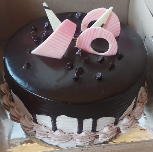 Plain Chocolaty Cake cake delivery Delhi