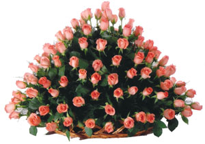 Round arrangement of 150 Roses cake delivery Delhi
