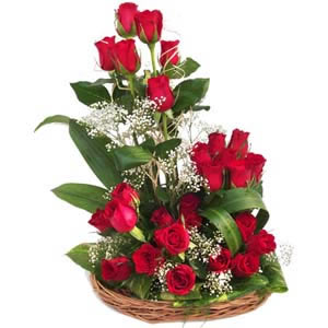 25 Red Roses arranged in a Basket cake delivery Delhi