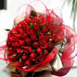 50 Red roses bunch with Net Packing cake delivery Delhi