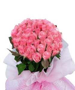 Hand Bunch of 30 Pink roses cake delivery Delhi