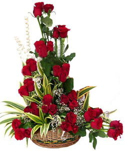 40 Red Roses one side arrangement cake delivery Delhi