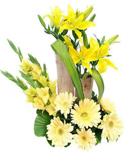 Arrangement of Glads, Gerbera and Lilly cake delivery Delhi