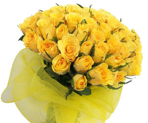 A Bunch of 50 Yellow Roses cake delivery Delhi