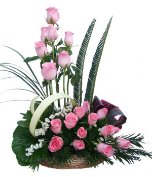 Basket of 20 Pink Roses cake delivery Delhi