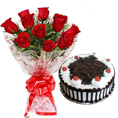 Bunch of 10 Red Roses and 1/2kg Cake cake delivery Delhi